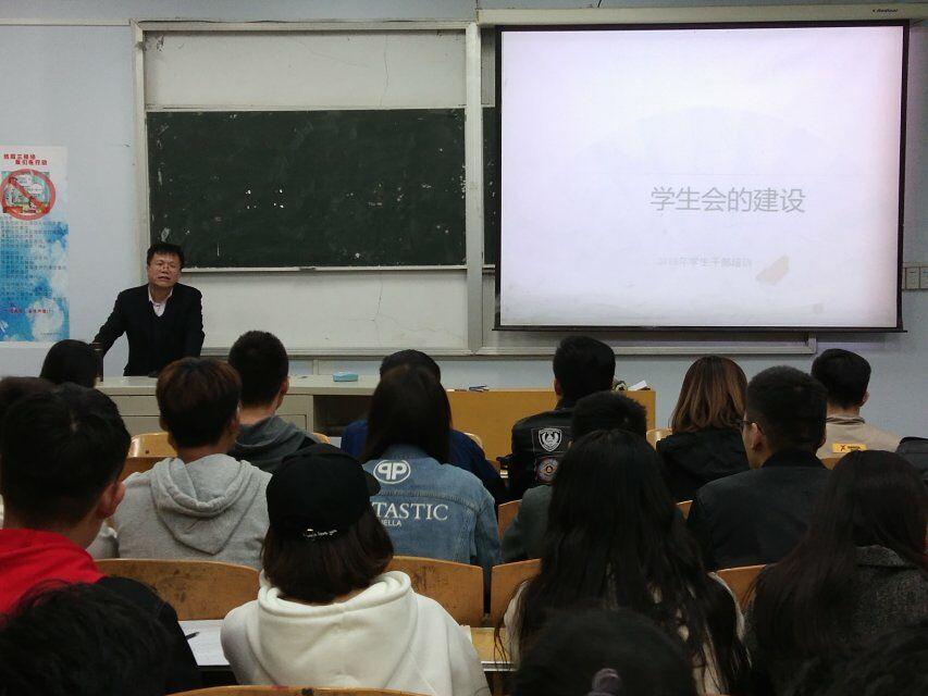 http://www.zgmaimai.cn/fangzhifushi/147361.html